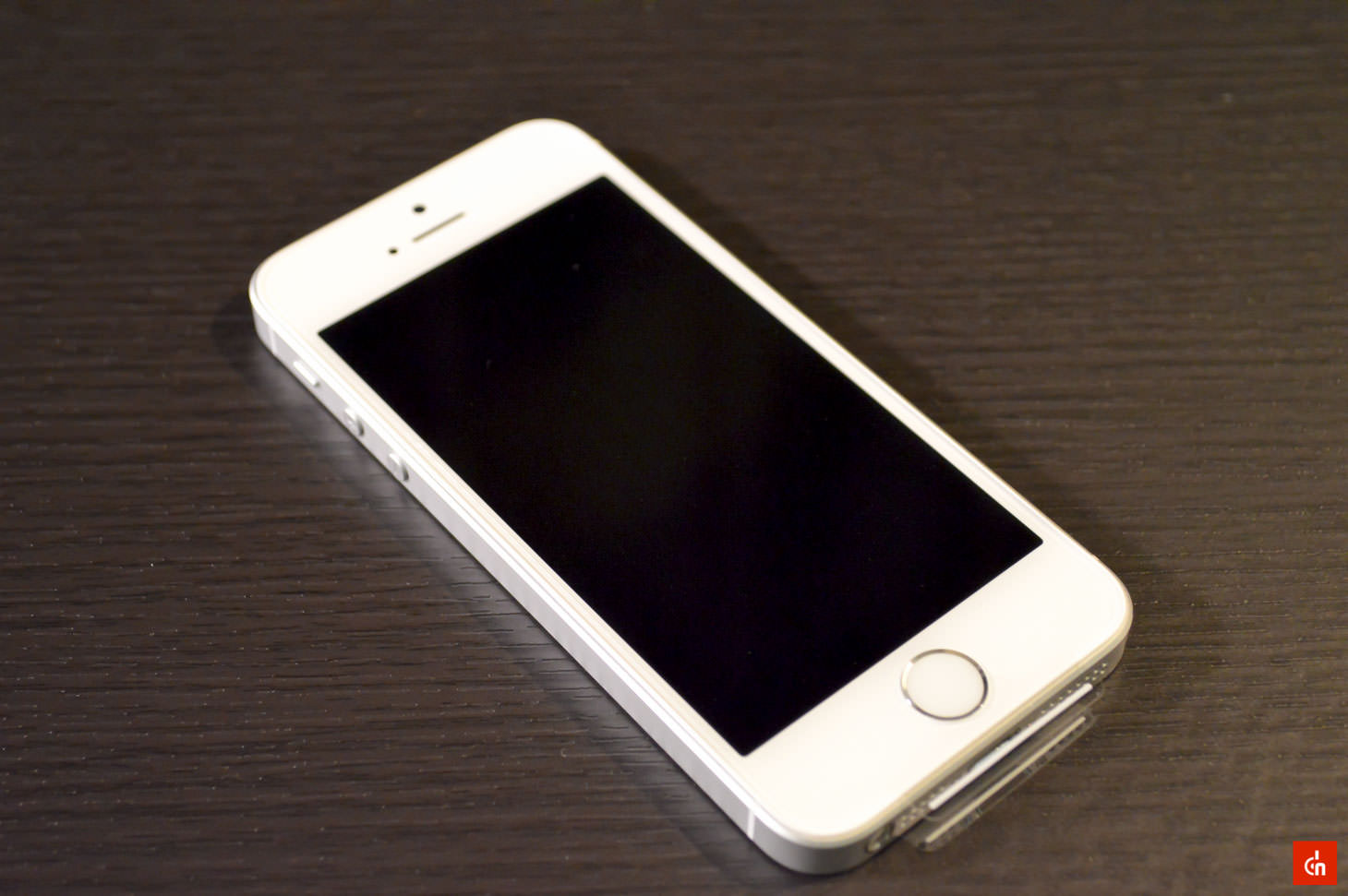 010_20160422_iphone-se-review
