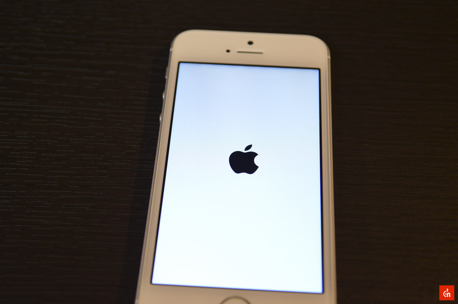 024_20160422_iphone-se-review
