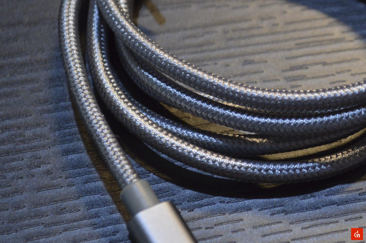 004_20160605_Lightning-cable-omaker