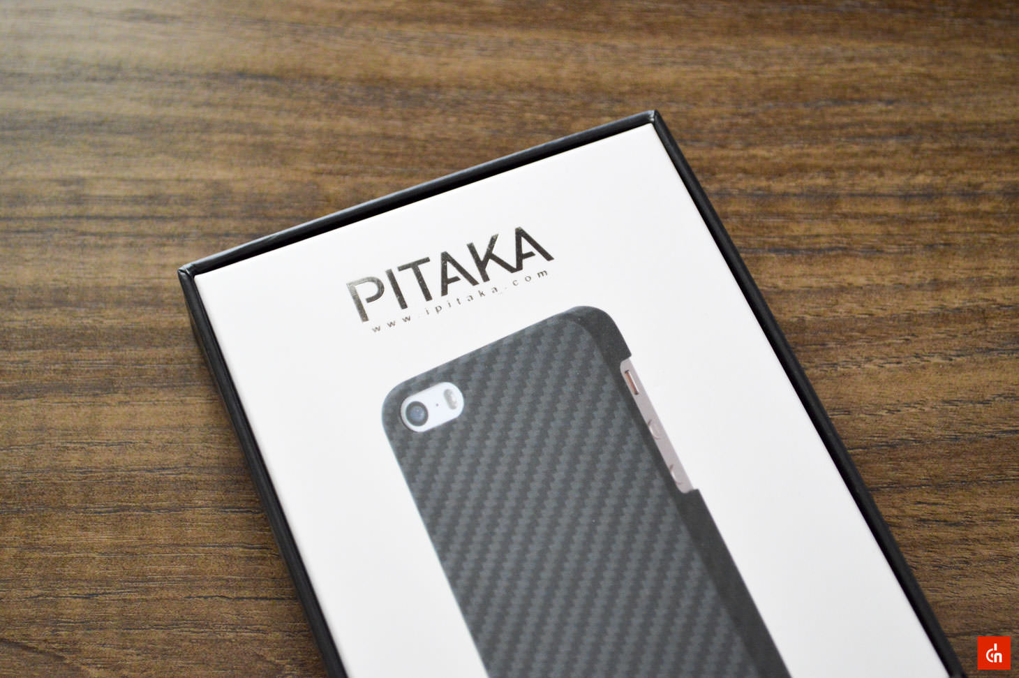 001_20160717_pitaka-carbon-iphonese-case