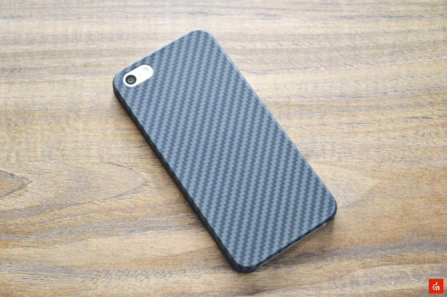 017_20160717_pitaka-carbon-iphonese-case