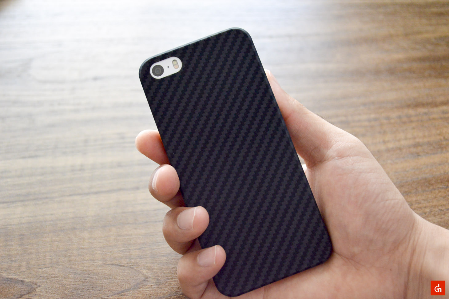 022_20160717_pitaka-carbon-iphonese-case